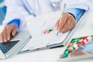 doctor writes overprescription of opioids