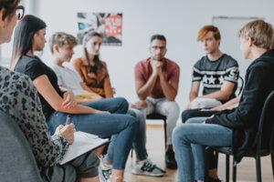 a group at an alcohol rehab center near arlington